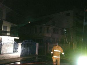 Firefighters try to save the building. [iNews' Photo]