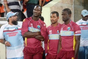 Darren Sammy Stands With Denish Ramdin and others awaiting the outcome of the rains