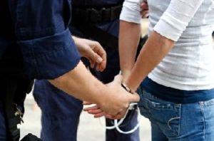 handcuffed_woman