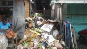Garbage pile up at the Bourda Market. [iNews' Photo]