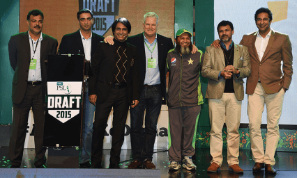 From left, former cricketers Ijaz Ahmed, Mohammad Akram, Ramiz Raja, Dean Jones, Mushtaq Ahmed, Moin Khan and Wasim Akram pose at the start of the Pakistan Super League draft in Lahore on December 21, 2015 (AFP/File)