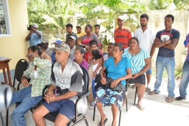 A section of the residents of Fort Island, who attended the meeting with Minister of Public Health, Dr. George Norton