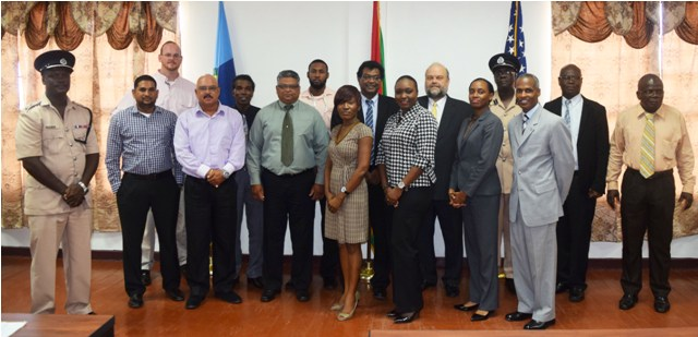 Minister of Public Security Khemraj Ramjattan, US Ambassador Perry Hollaway and participants of the Training Course. (U.S. Embassy photo)