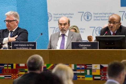 Jagdeo Chairing one of the meetings