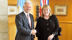 UK Foreign Office minister Sir Alan Duncan met Argentina's Foreign Affairs Minister Susana Malcorra in Buenos Aires on Tuesday