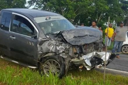 Minibus driver dies in New Hope 2-vehicle smash-up   INews Guyana