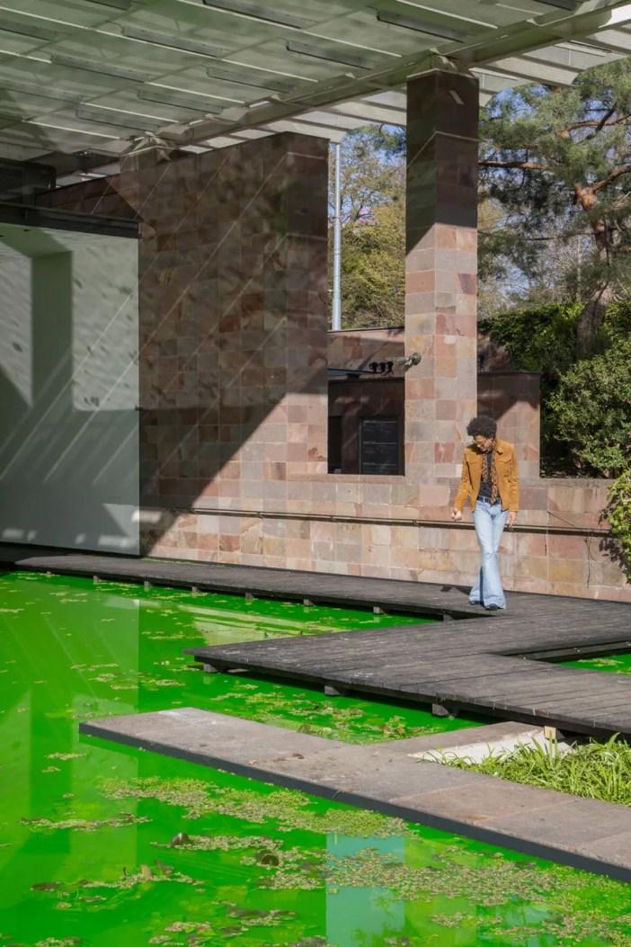 Olafur-Eliasson-Life-Beyeler-exterior-view-vert-photo-Pati-Grabowicz