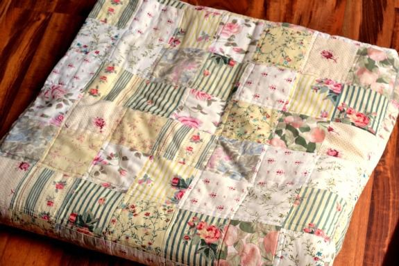 outdoor-quilted-blanket