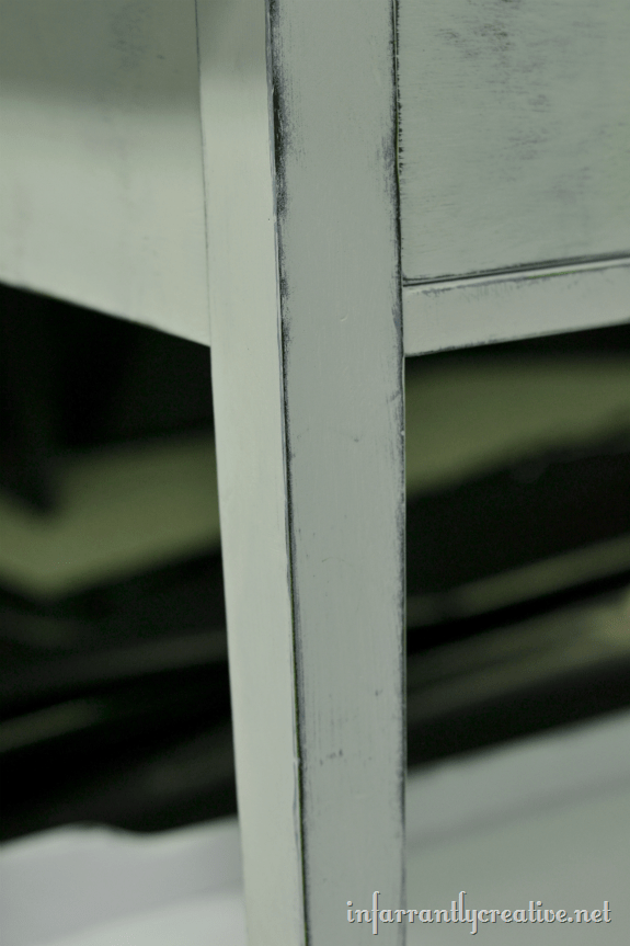 chalk_painted_sofa_table