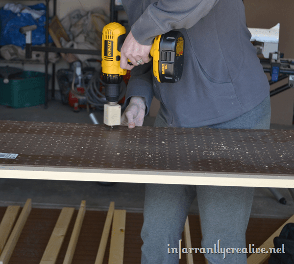 creating adjustable shelves