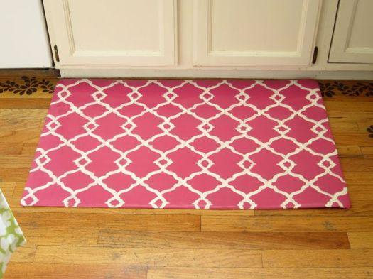 Momtastic quatrefoil rug