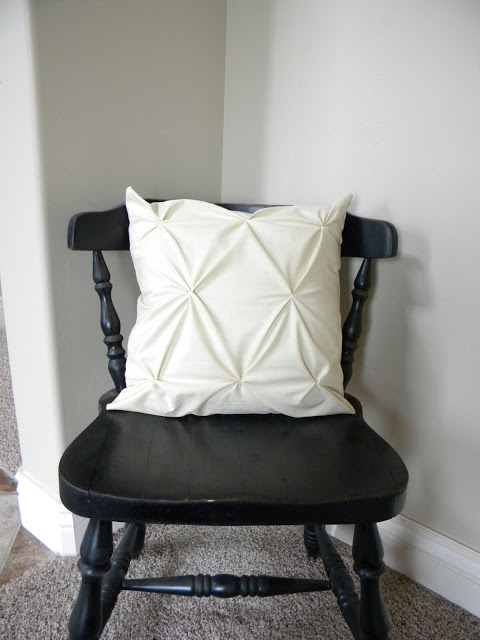 pintucked-pillow-diy