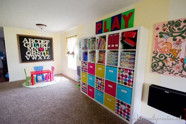 Fabulous organizations for a playroom