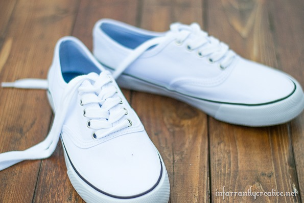 canvas shoes with tshirt yarn shoelaces