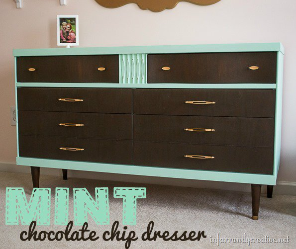 DIY Funriture Painting | Mint Dresser with Wood Strained Drawer Fronts