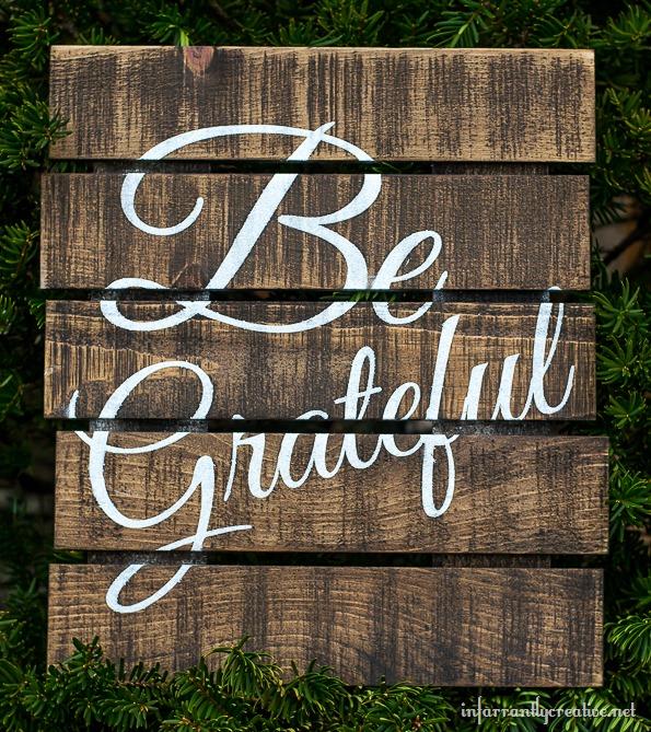 DIY pallet art sign