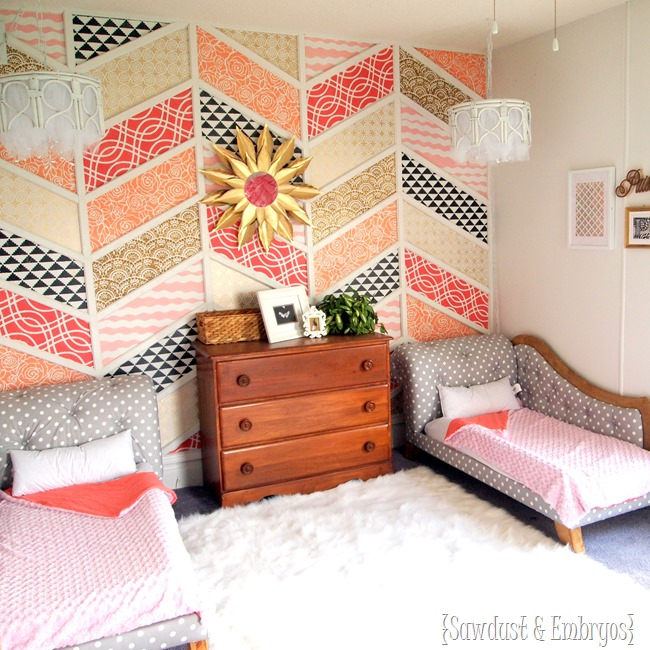 stenciled-pattern-herringbone-wall