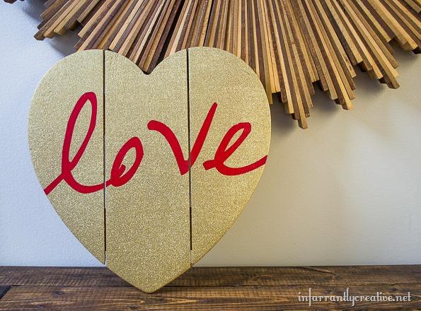 redlovegoldglitterheart.jpg