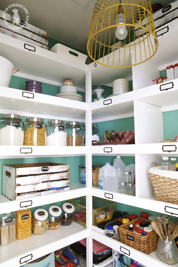diy-labelled-shelves