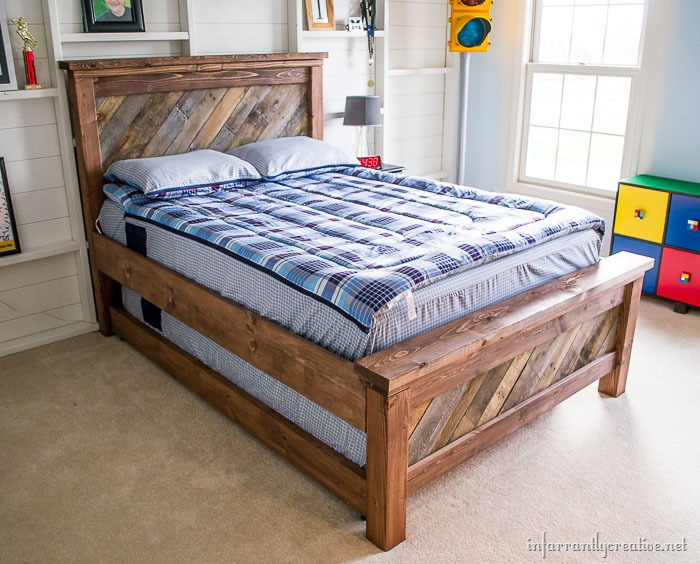 Cool DIY Rolling Trundle Bed Plans