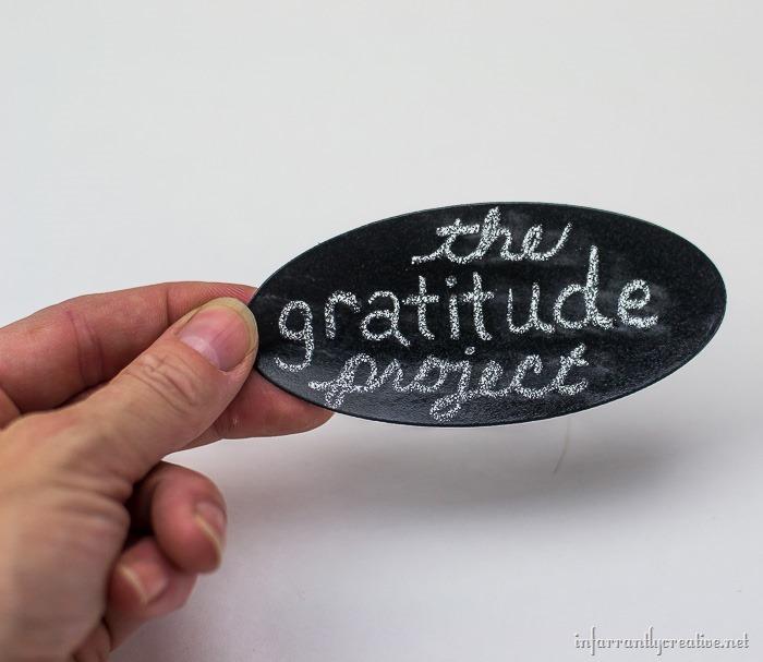 kids showing gratitude