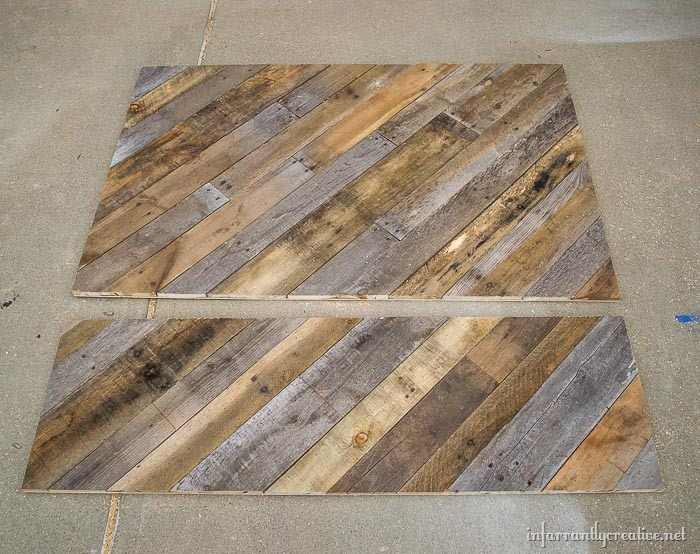 pallet farmhouse bed
