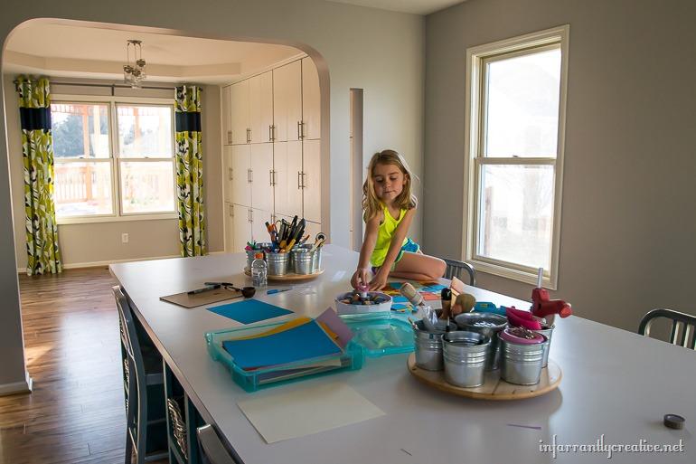 large-craft-table-DIY