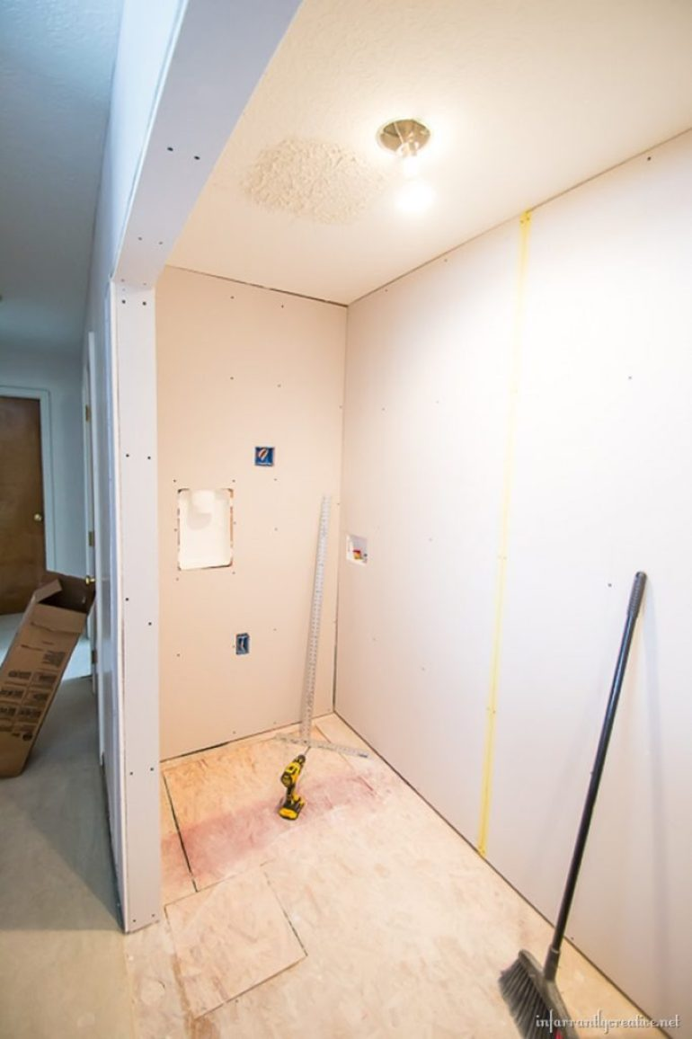 mudding-drywall
