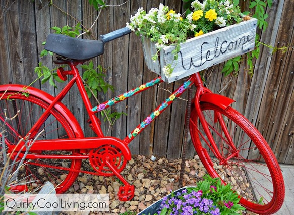 Use paint to transform an old bike into a colorful statement for your garden!