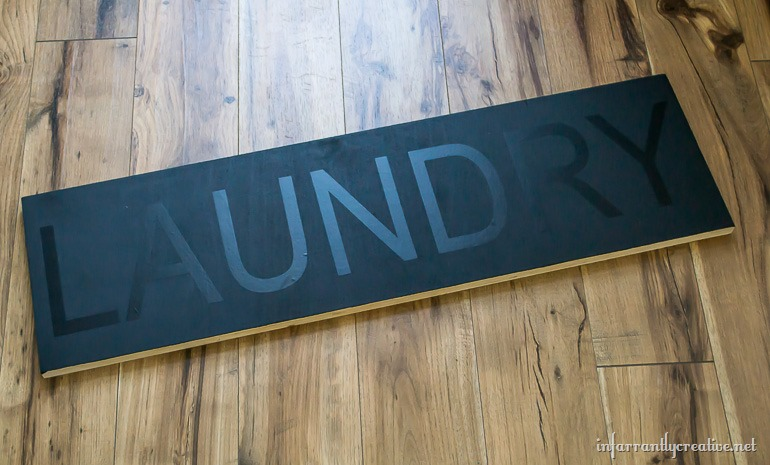diy-painted-laundry-sign