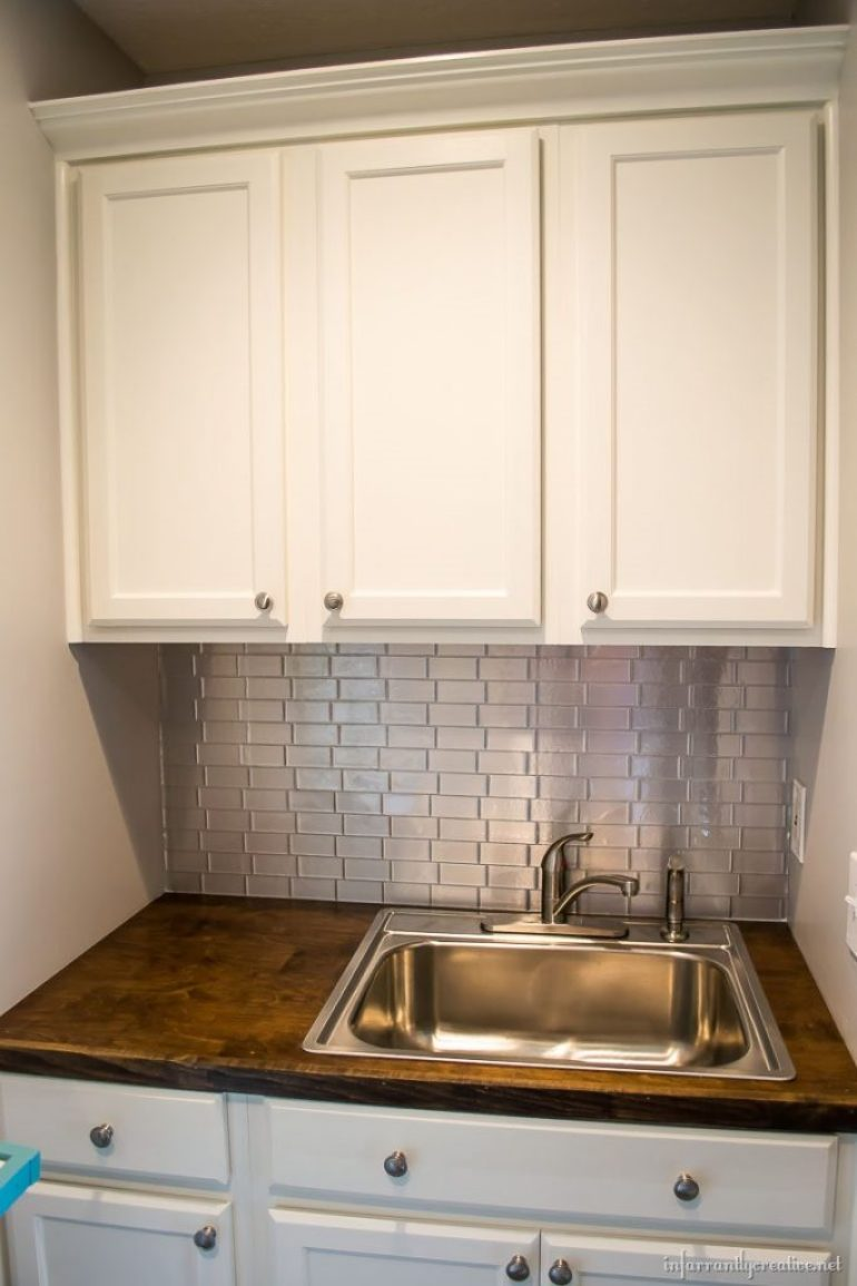 laundry-room-stainless-backsplash