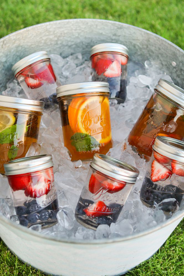 Make-Ahead-Mason-Jar-Cocktails