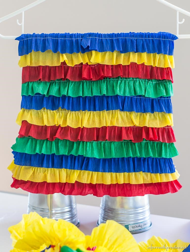 paperbag-pinata-with-ruffled-streamers