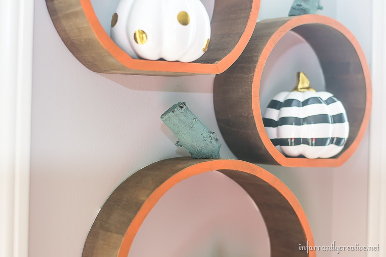DIY-wood-pumpkin-shelves