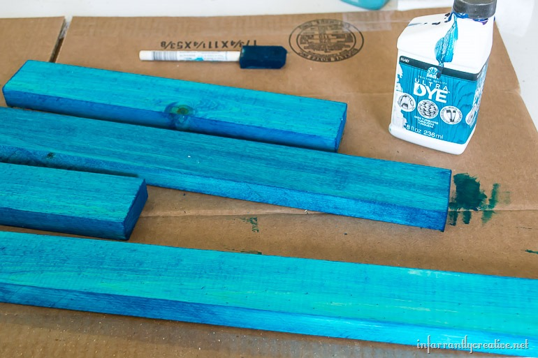 dying-wood-folk-art-ultra-dye