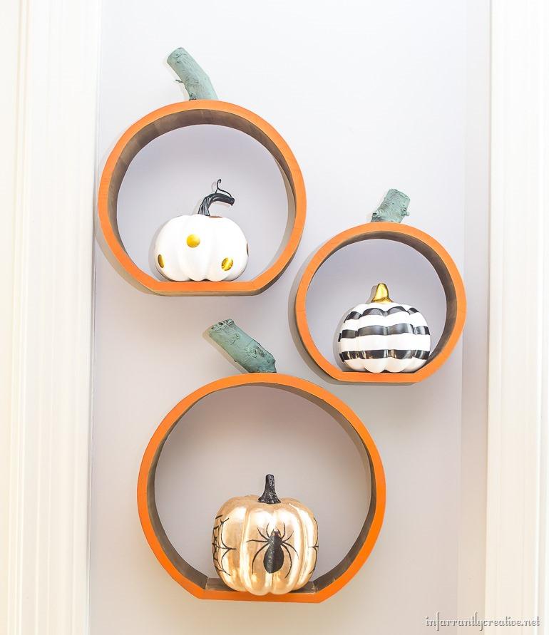 wall-pumpkin-shelves