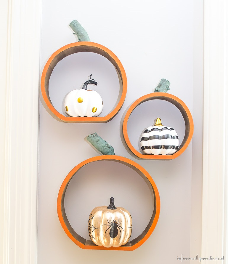 wall-pumpkin-shelves