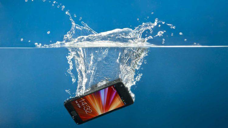 Repair-water-damage-phone