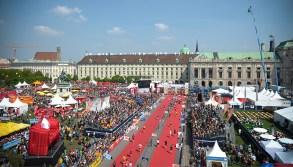 Der Zieleinlauf am Heldenplatz!