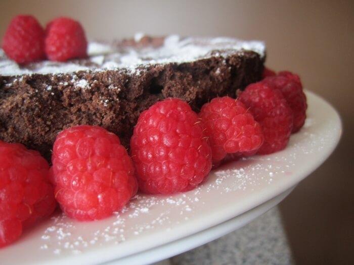 Flourless Chocolate Cake   www.infinebalance.com #recipe #gluten-free