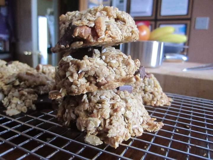 Healthy Chocolate Chip Cookies | www.infinebalance.com #vegan #chocolate