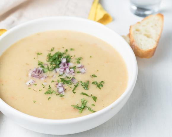 cream of garlic soup served with crusty bread