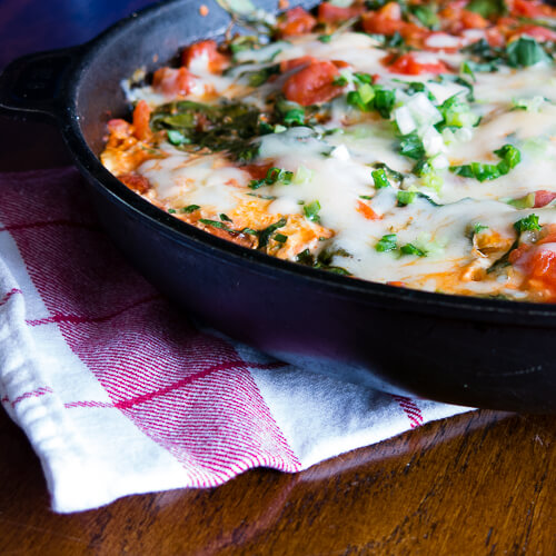Skillet Eggs with Spinach and Tomato