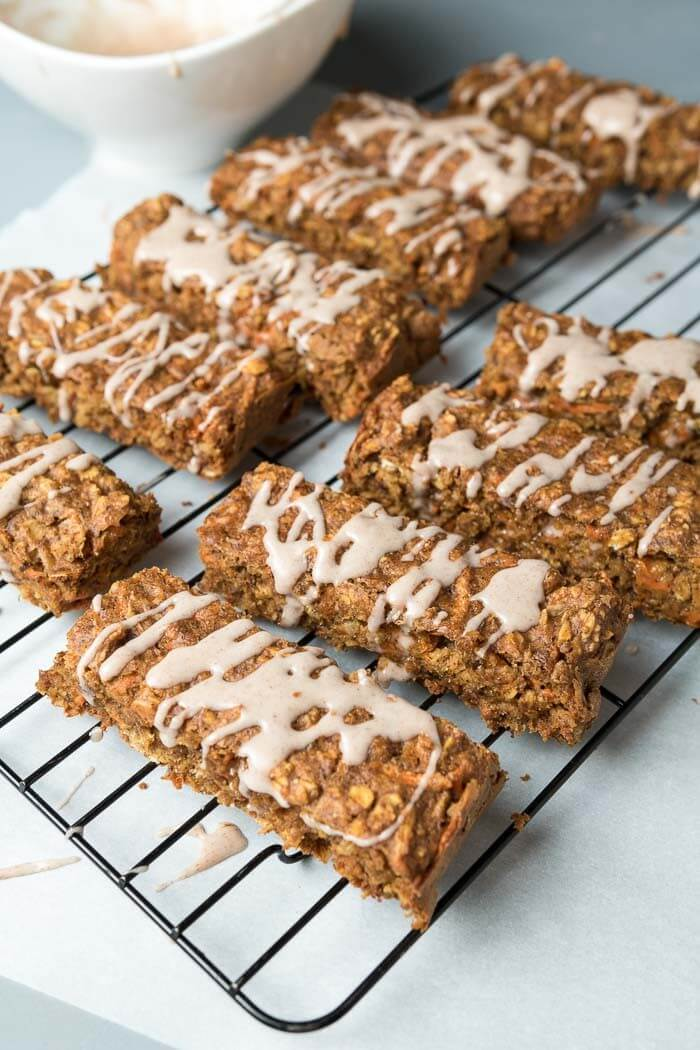 Carrot cake breakfast bars with frosting