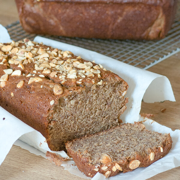 peanut butter banand bread with peanuts on top