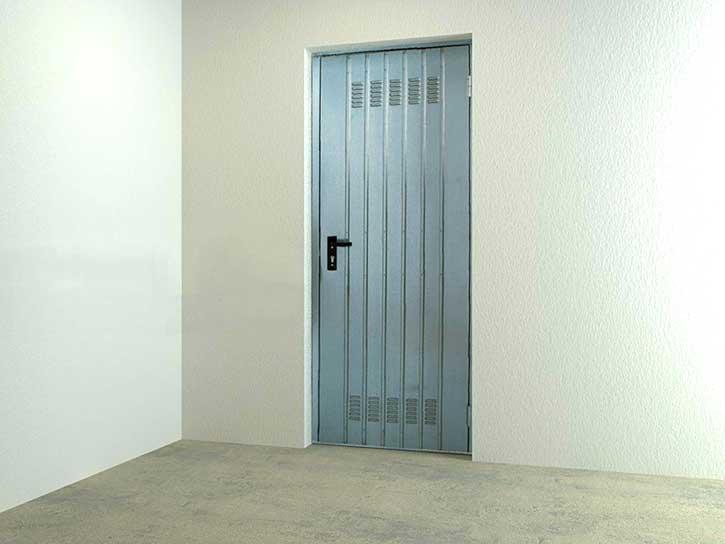 Immagine di una porta blindata utilizzata per la cantina