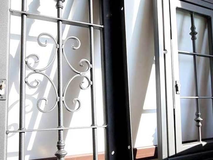 Grate di sicurezza con dettaglio a Varese