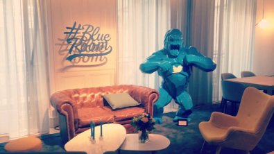 blue-room-twitter-paris