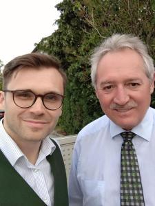 Oberösterreichs Landtagspräsident Viktor Sigl (ÖVP) mit Michael Scharfmüller (Info-DIREKT).