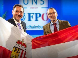 Manfred Haimbuchner und Herbert Kickl bei einer Wahlkampfveranstaltung